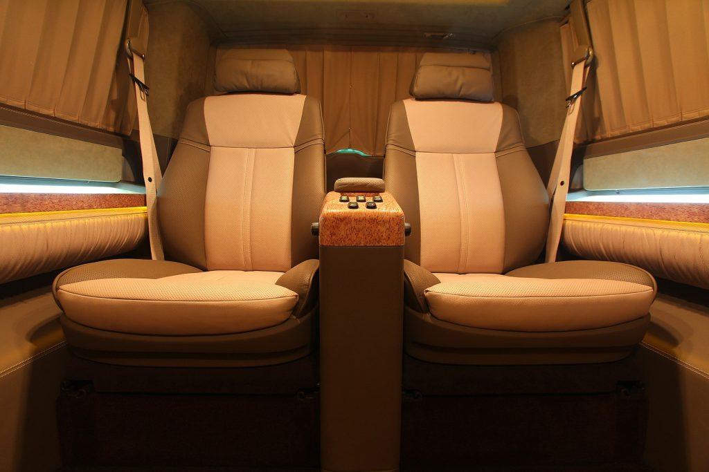 Тюнинг салона Volkswagen Multivan. Фото 2, A1 Тюнинг Центр